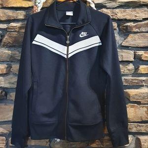 Size L NIKE sports black jacket with two way zip